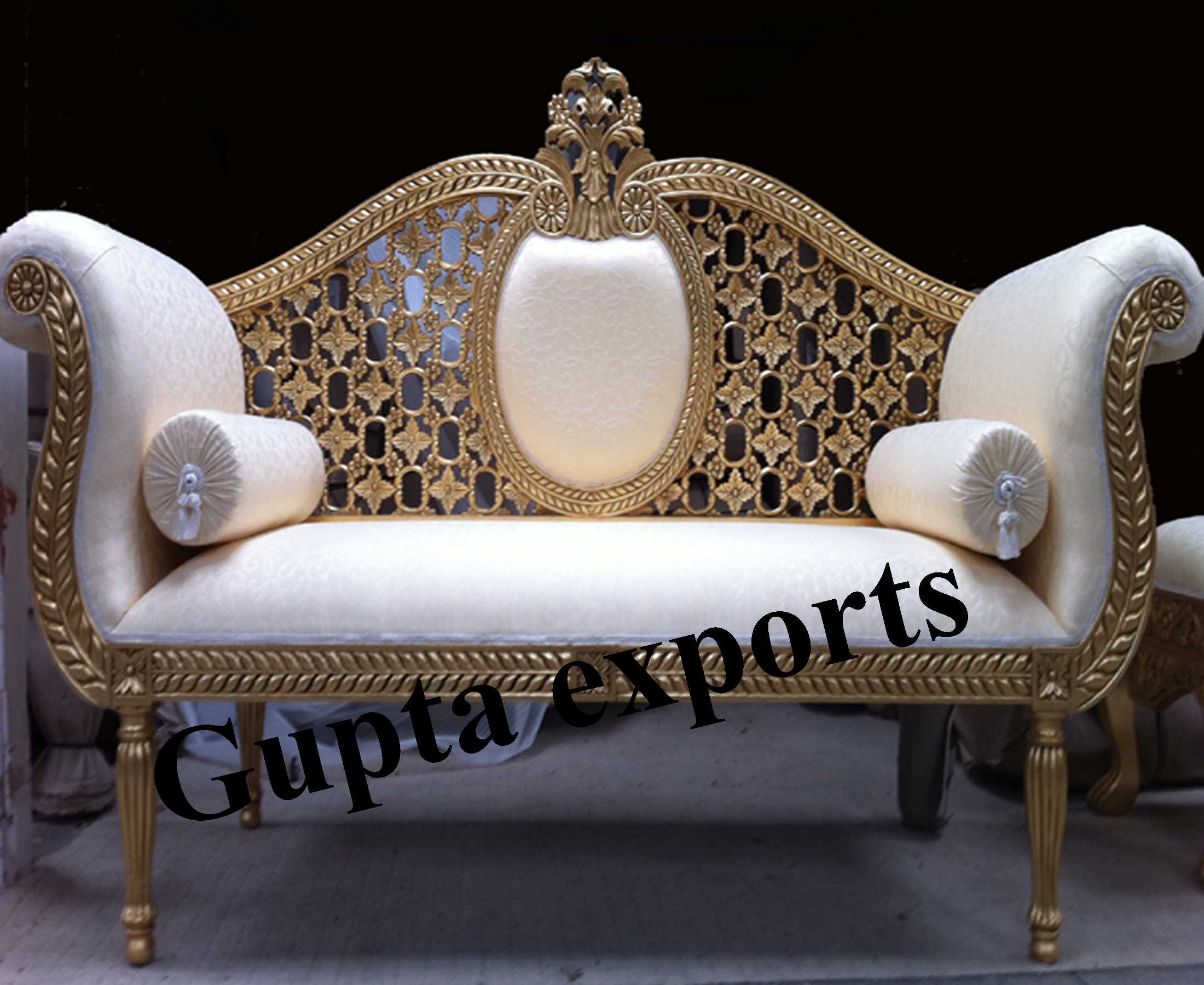 Wedding Loveseat: Wedding Sofa And Chairs In Punjab
